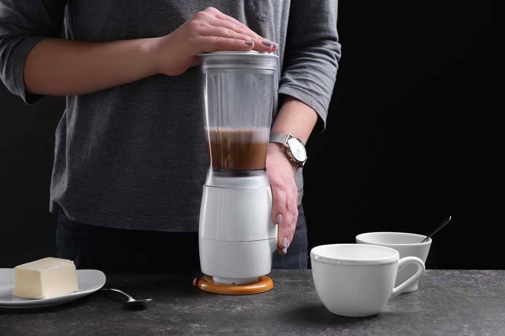 how to grind coffee beans with a blender